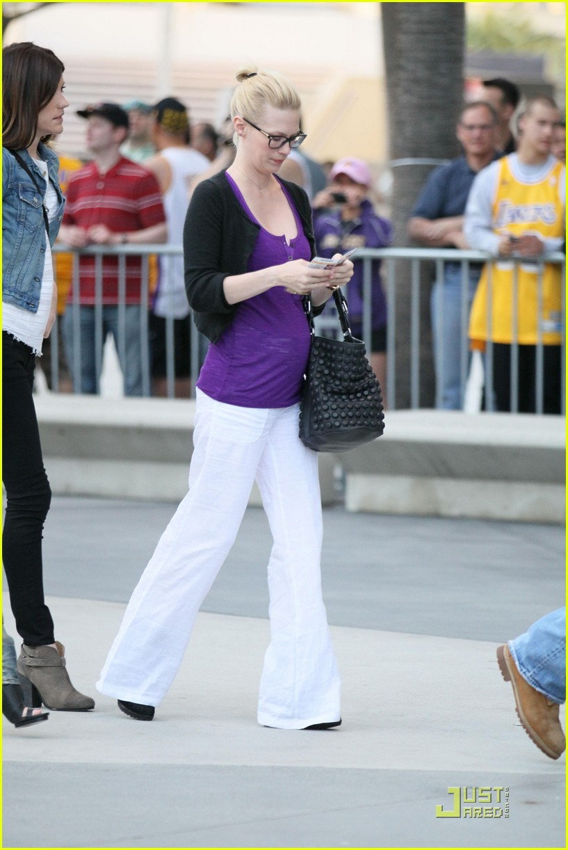 january jones lakers game 032540851