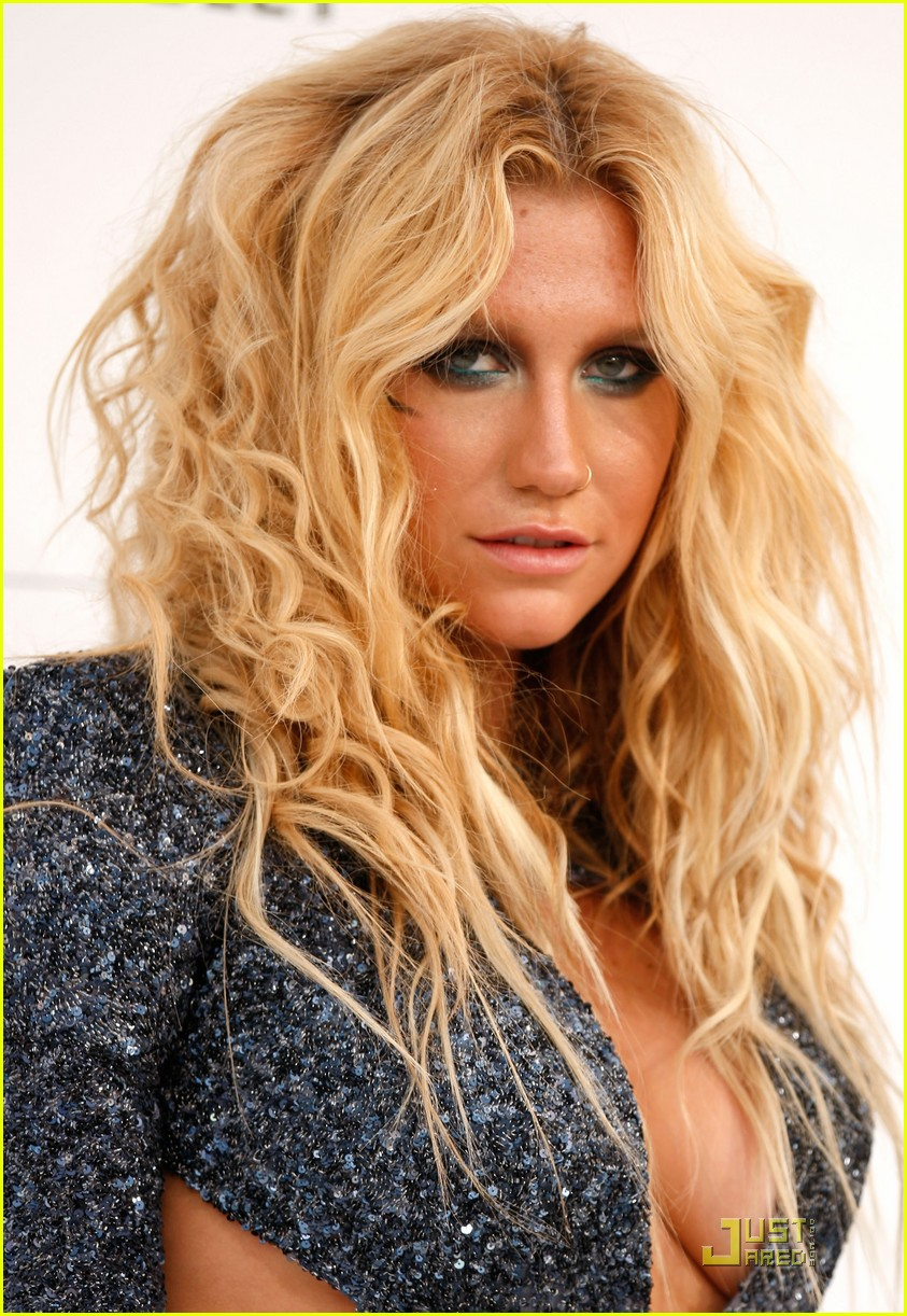 Ke Ha Billboard Awards 2011 Photo 2546424 2011