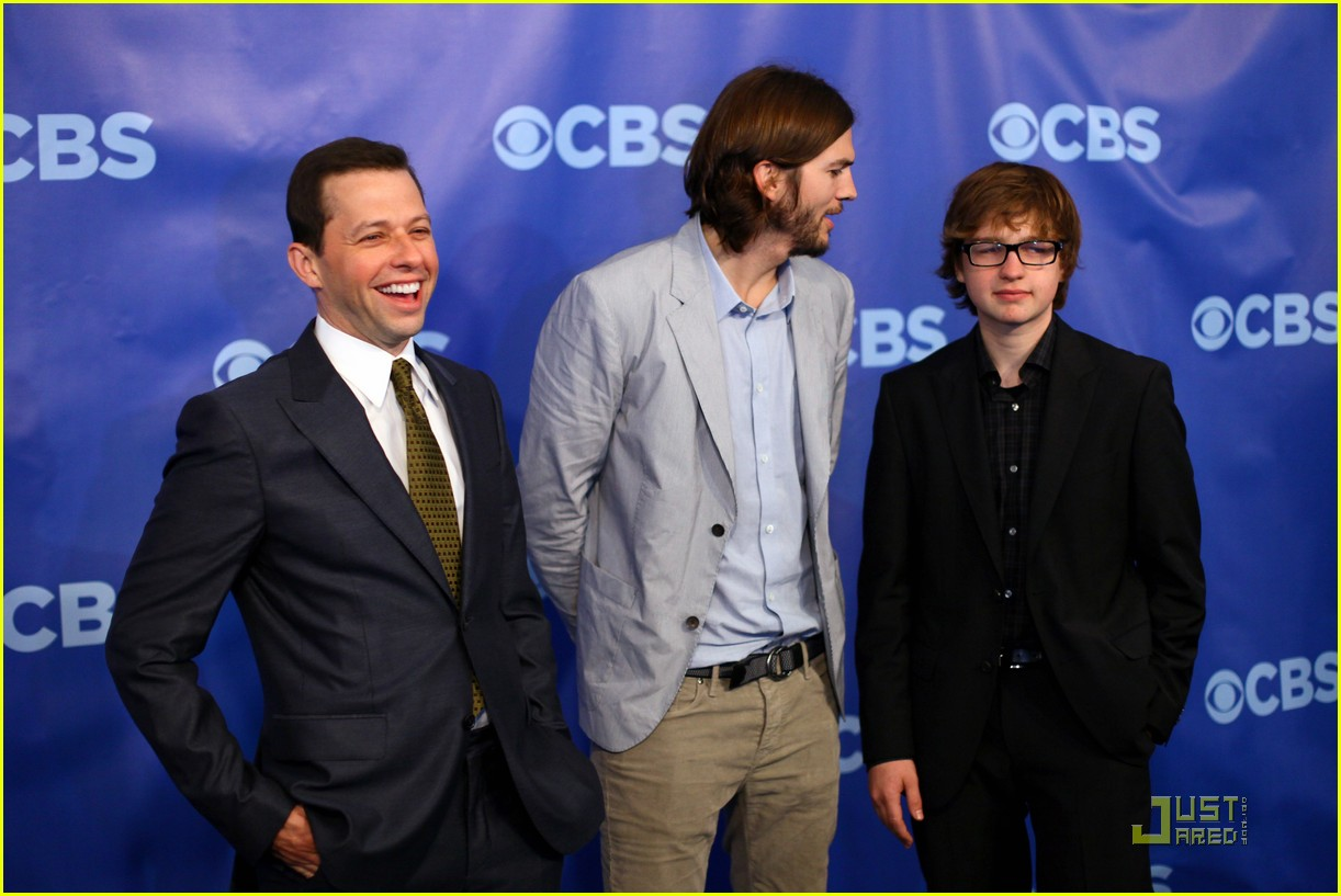 ashton kutcher two and a half men new cast 032545209