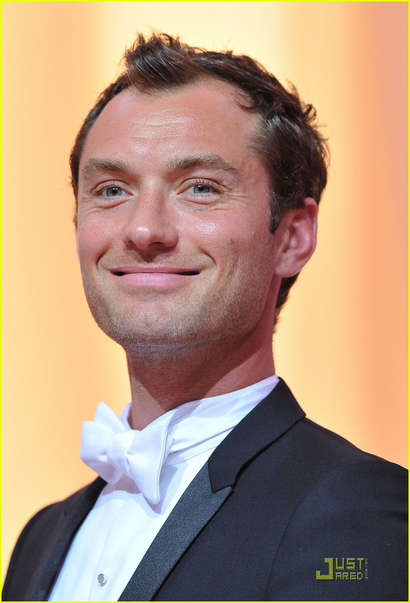 jude law cannes opening ceremony with uma thurman 10