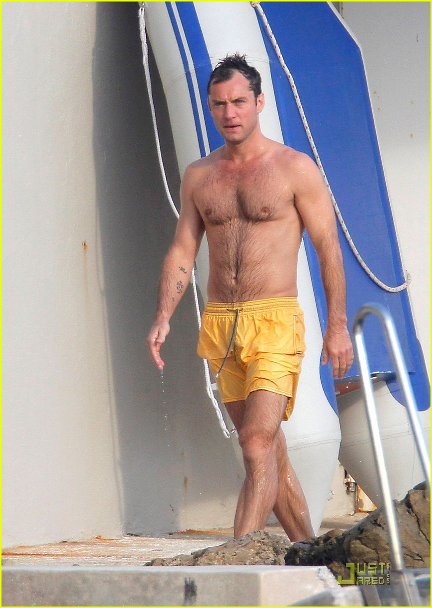 Jude Law  Shirtless In Cannes   Photo 2547538