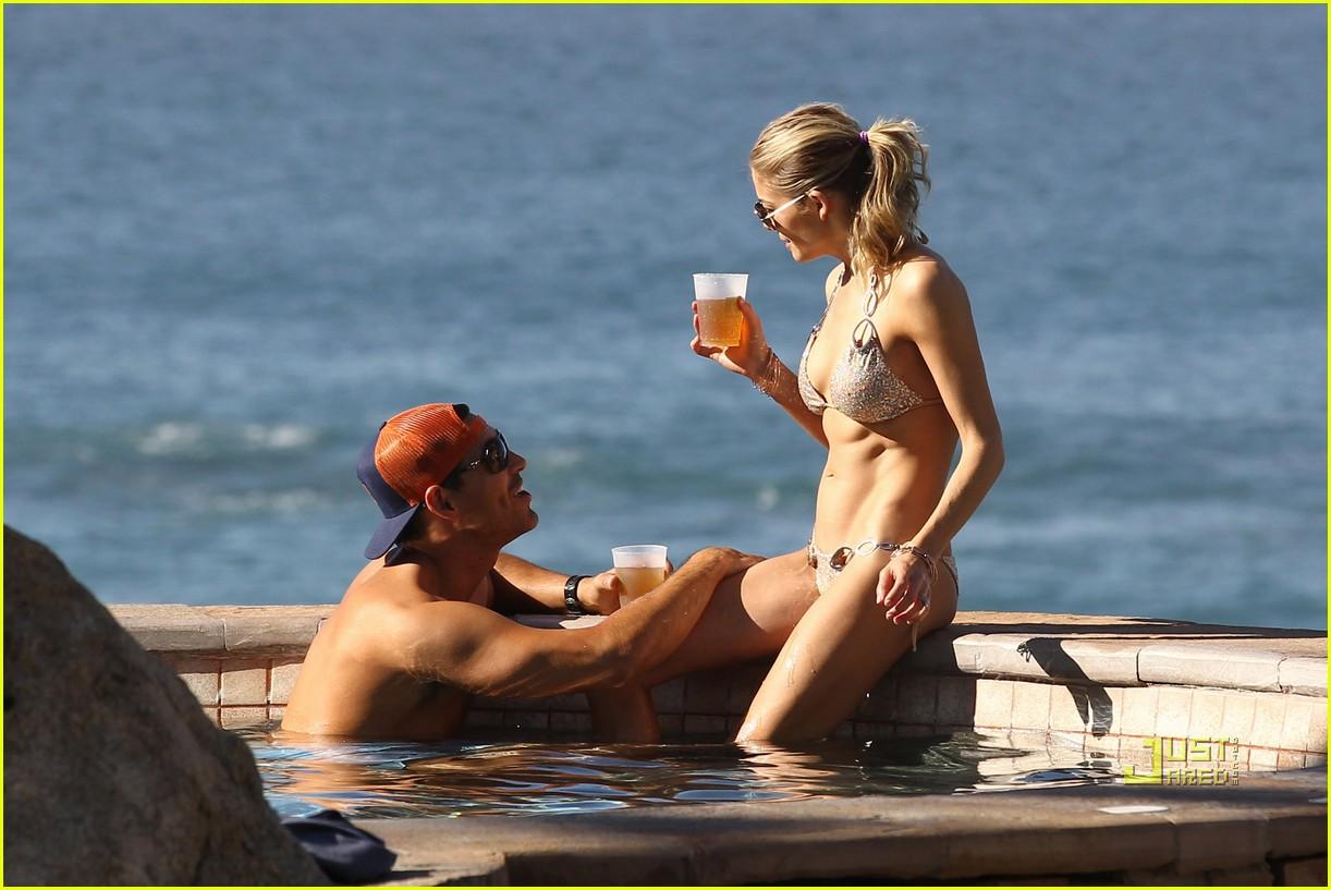 eddie cibrian leann rimes bikini esperanza 022546679