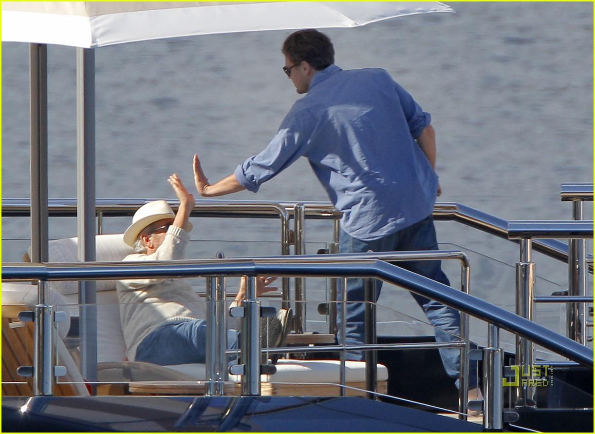 leonardo dicaprio blake lively yacht 072544903