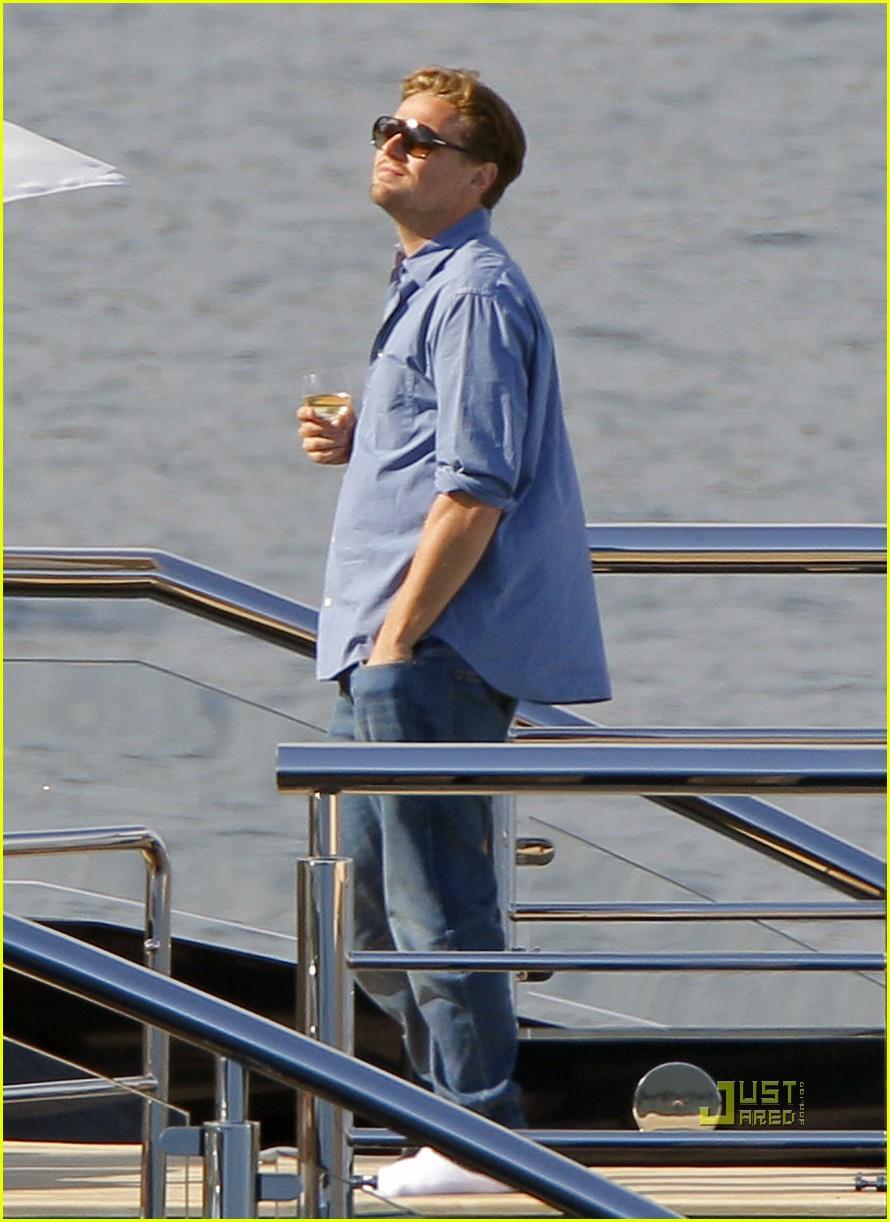 Leonardo Dicaprio Blake Lively Were On A Boat Photo 2544904