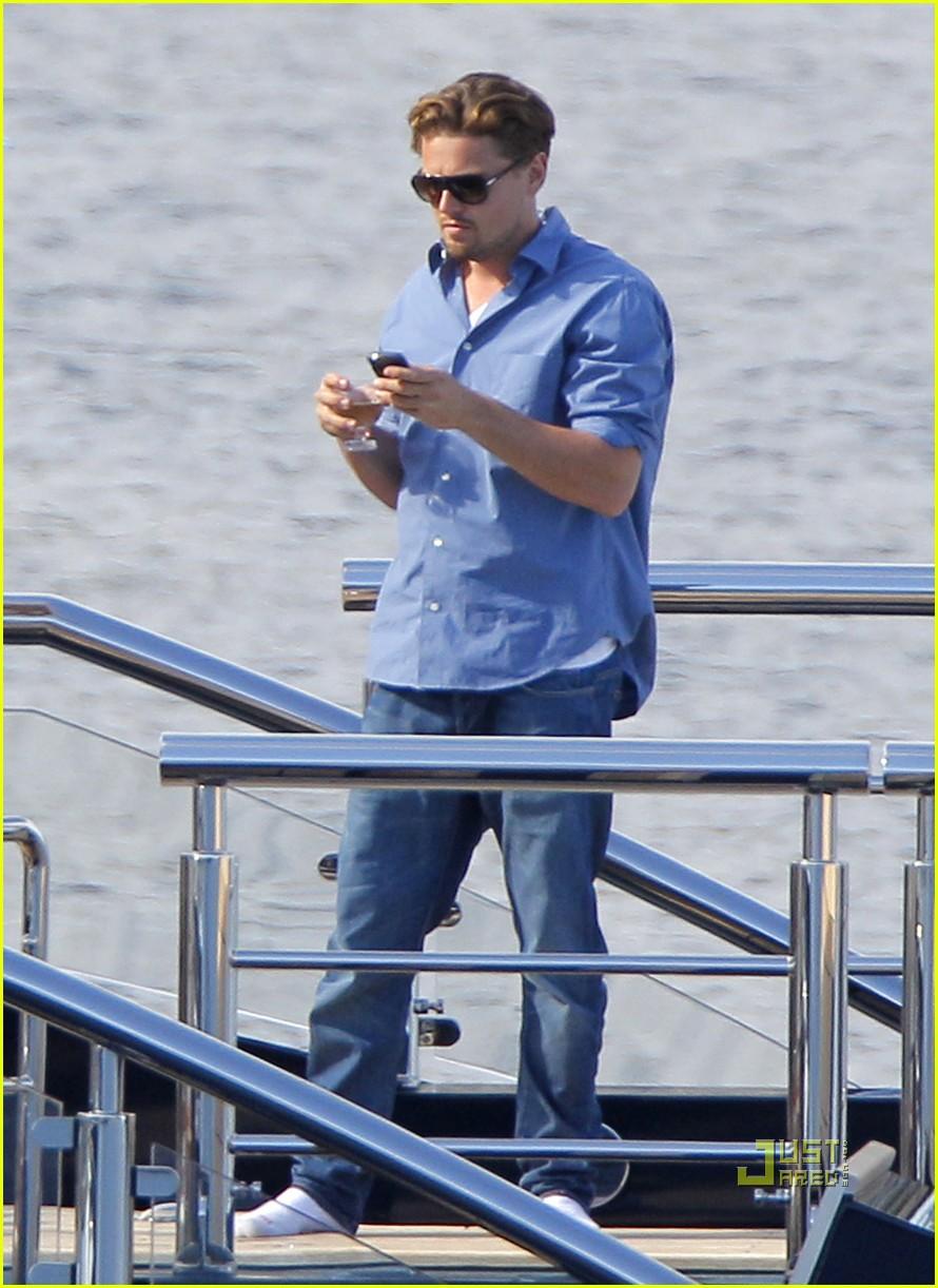 Leonardo Dicaprio Blake Lively Were On A Boat Photo 2544905