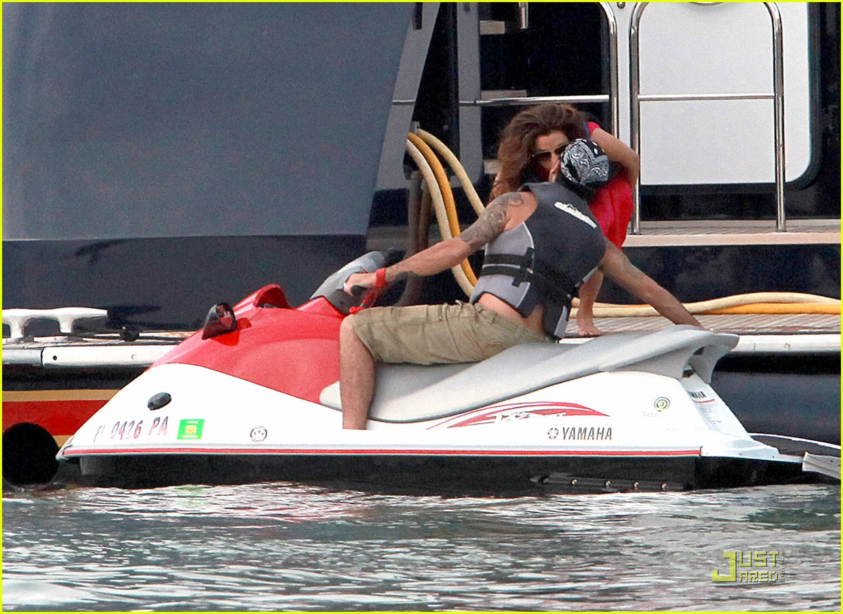 eva longoria jet skiing with eduardo cruz 01