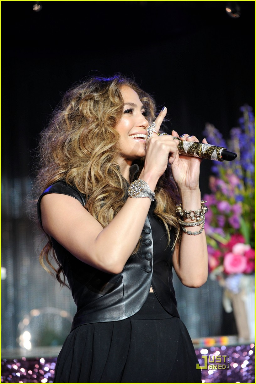jennifer lopez love cd signing 09