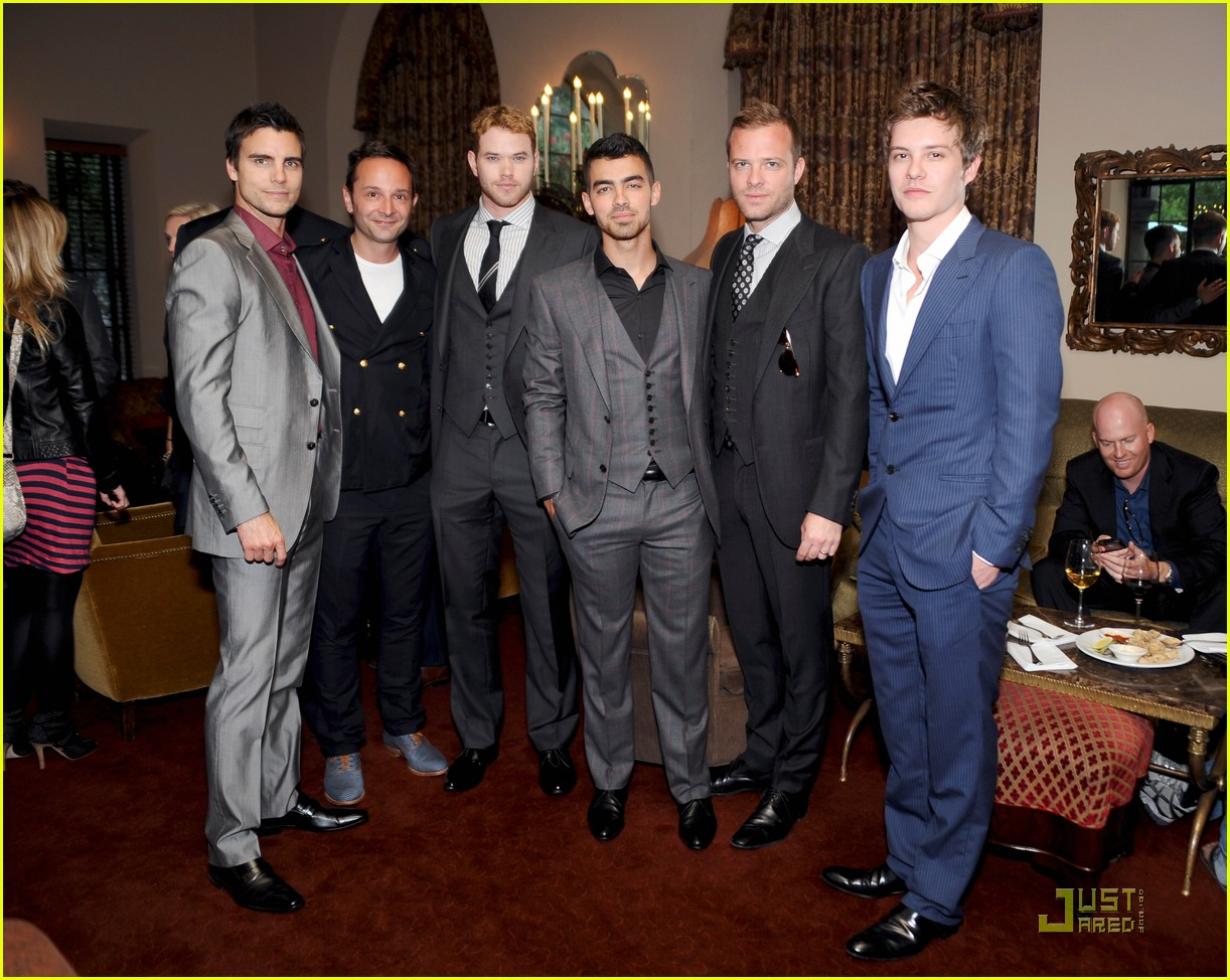 kellan lutz joe jonas simon spurr private dinner 04