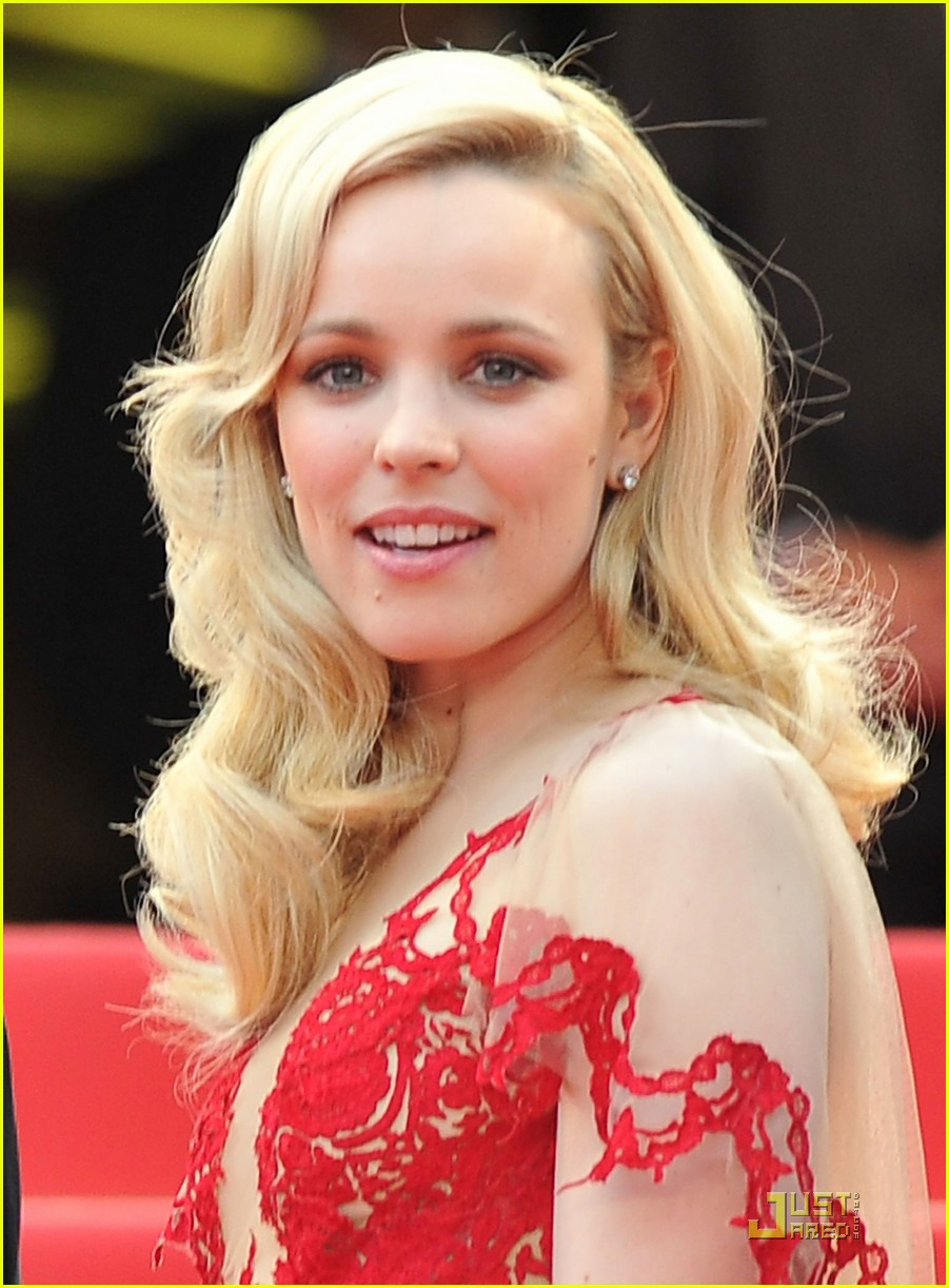 rachel mcadams ravishing red cannes 18
