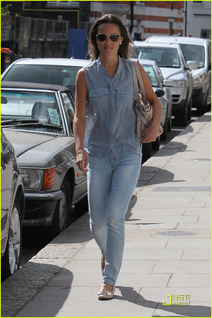 pippa middleton out and about 012545281