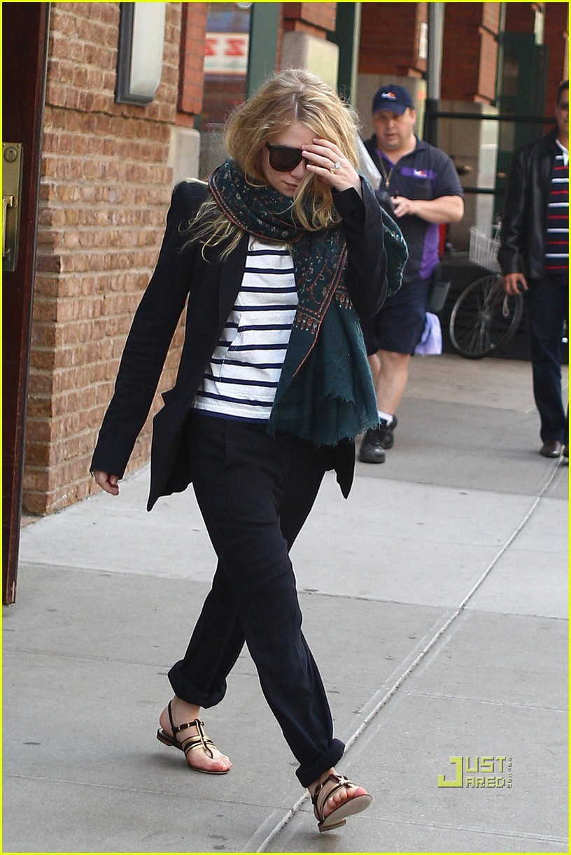 mary kate ashley olsen hotel 062540791