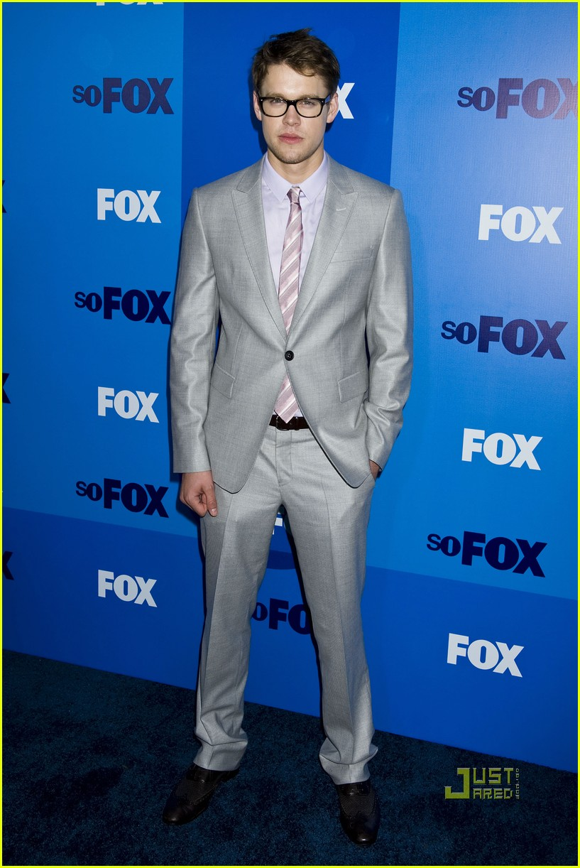 cory monteith chord overstreet glee upfronts 032544824