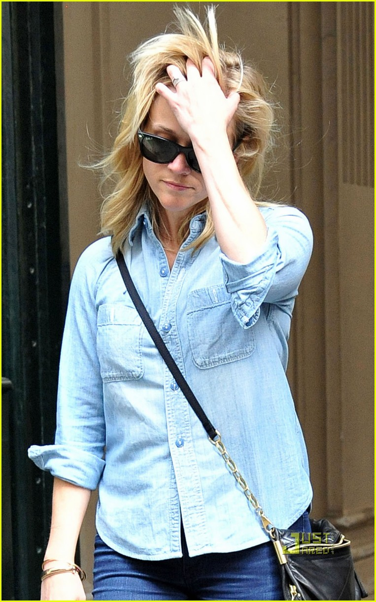 reese witherspoon chambray shirt paris 062539704