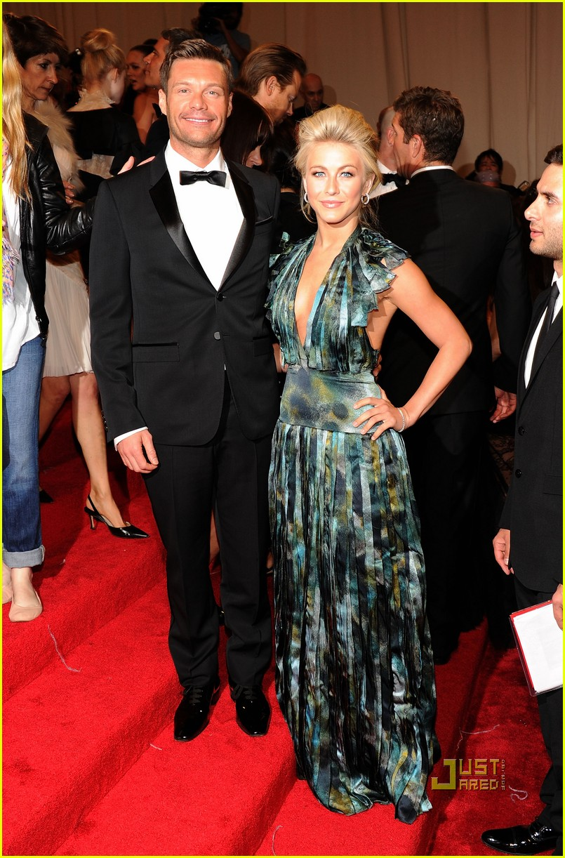 ryan seacrest julianne hough met ball 2011 01