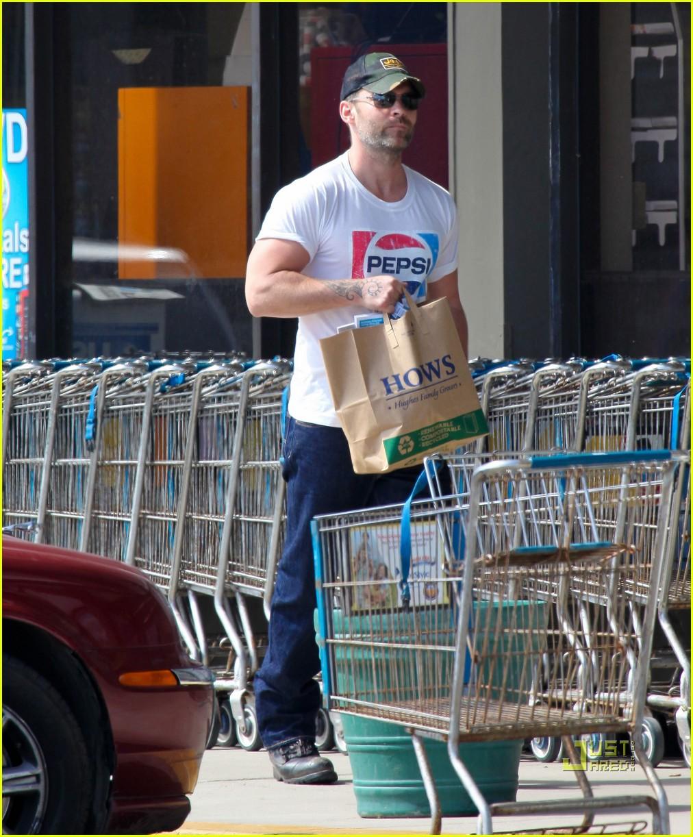 seann william scott pepsi shirt grocery store 102541740