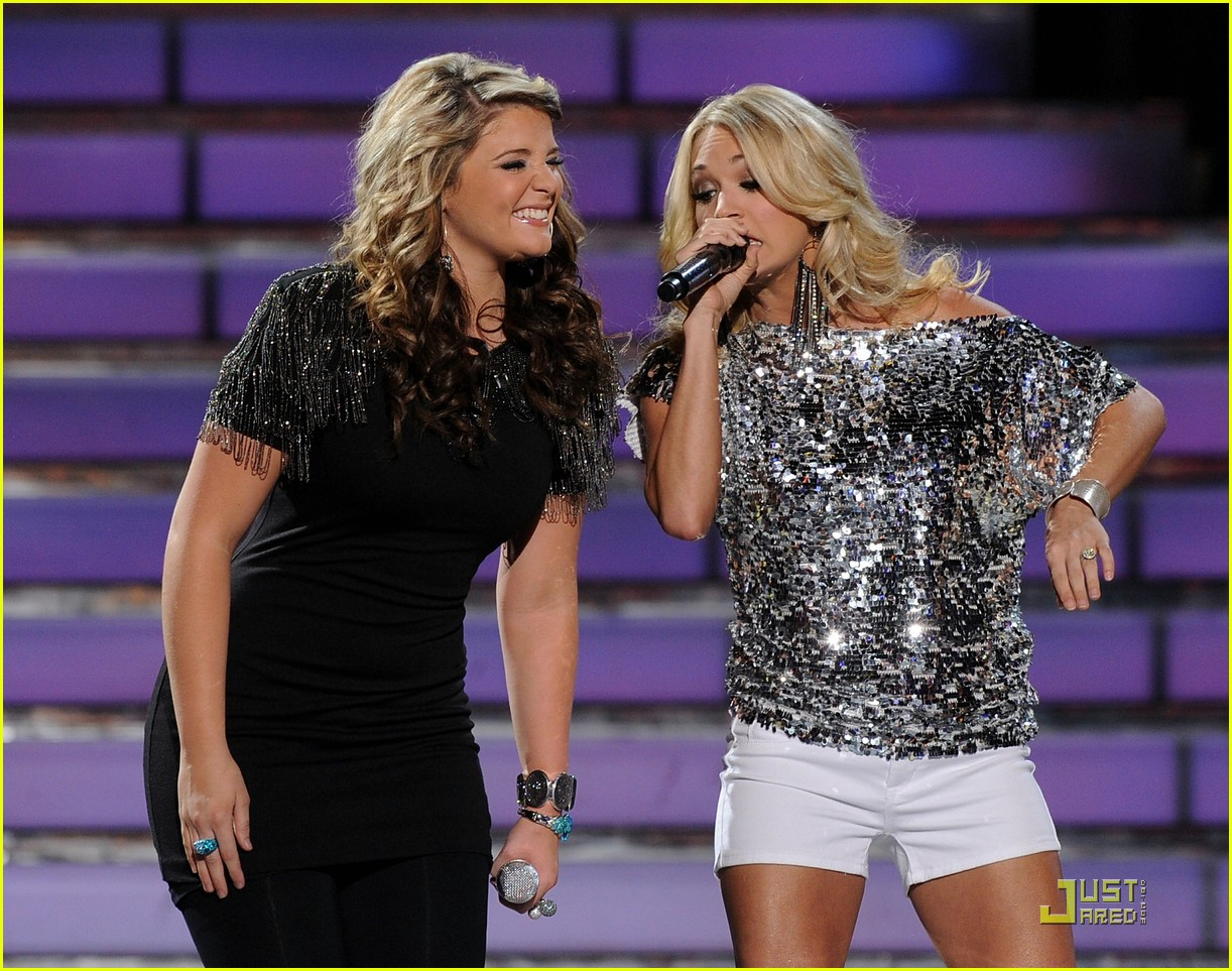 Carrie Underwood Idol Performance With Lauren Alaina Photo