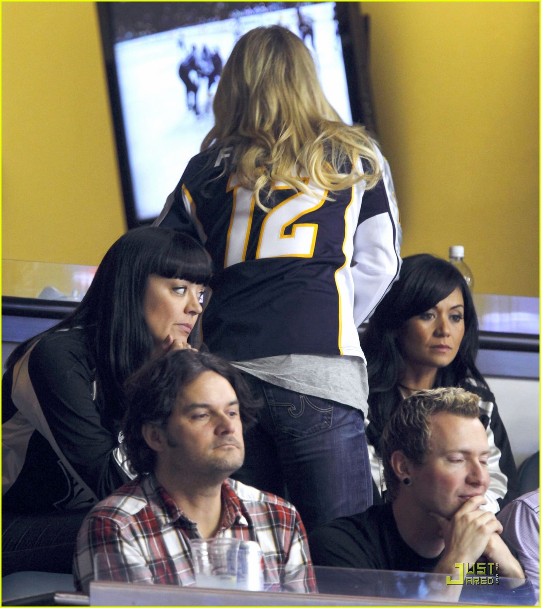 carrie underwood go nashville predators 032542733