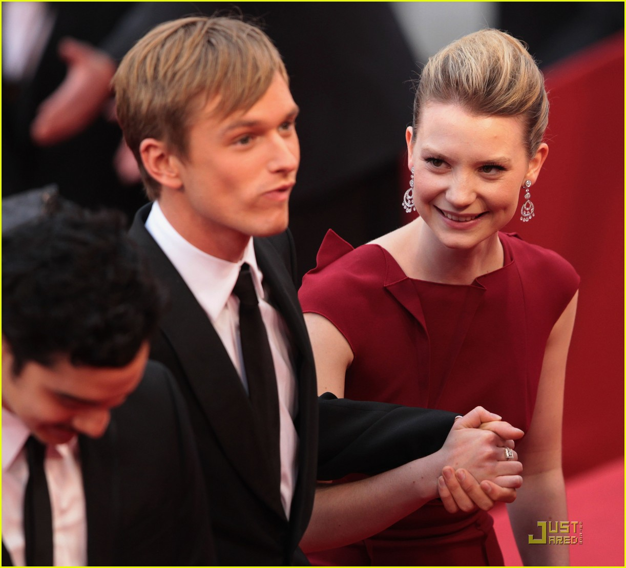 mia wasikowska restless premiere with bryce dallas howard 10