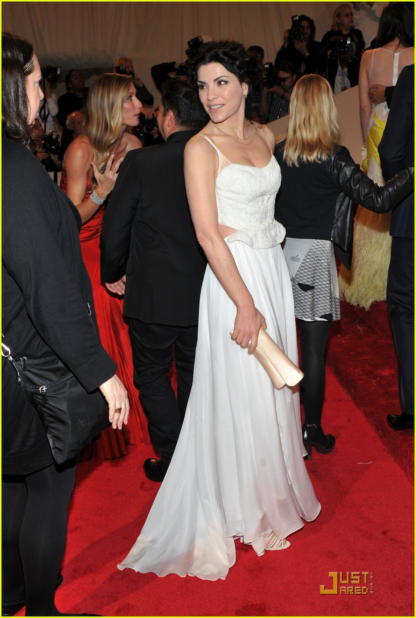 florence welch julianna margulies met ball 2011 03
