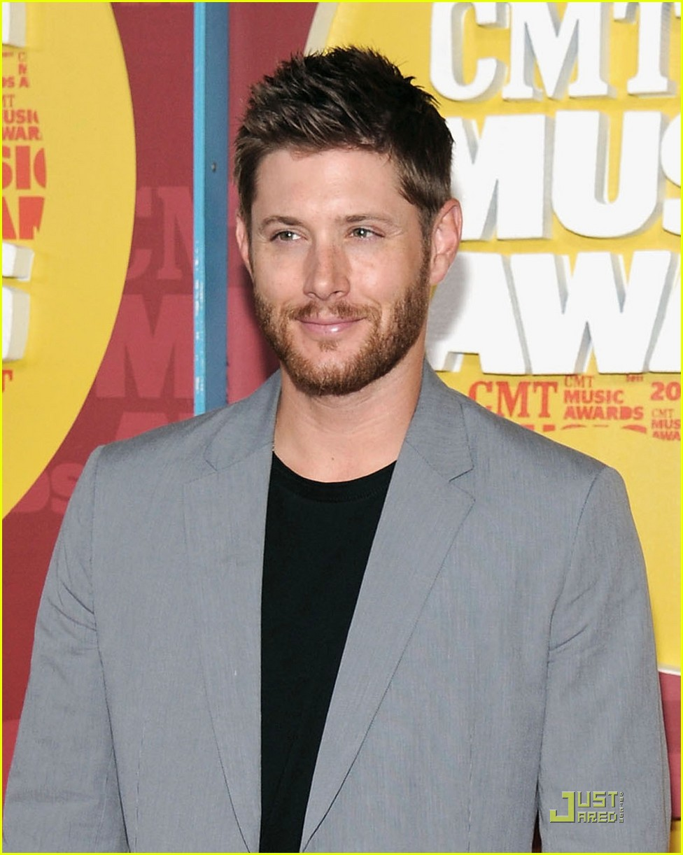 jensen ackles danneel harris cmt music awards 012550905