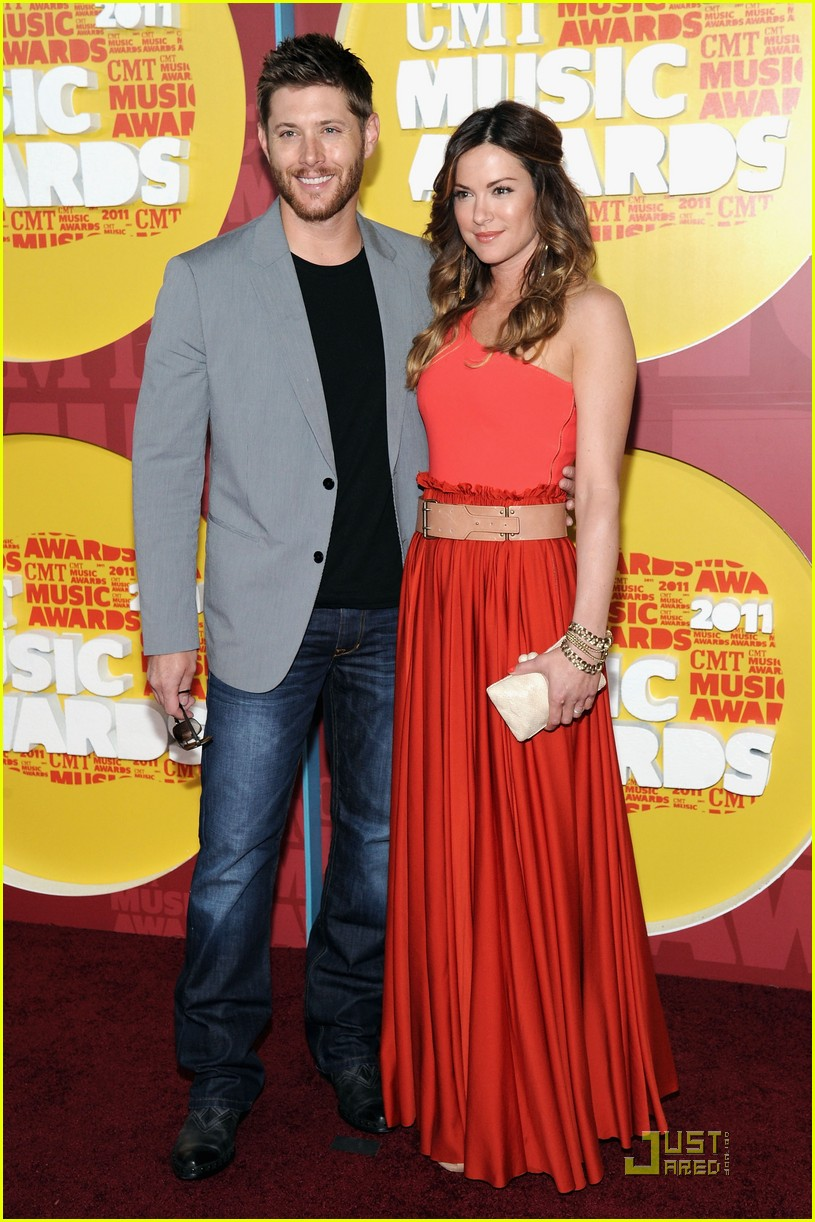 jensen ackles danneel harris cmt music awards 022550906