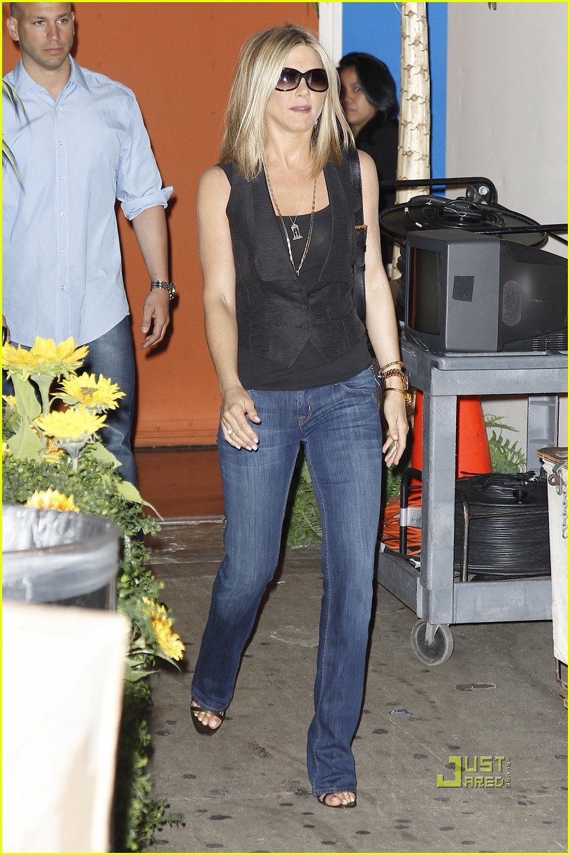 jennifer aniston black top nyc 01