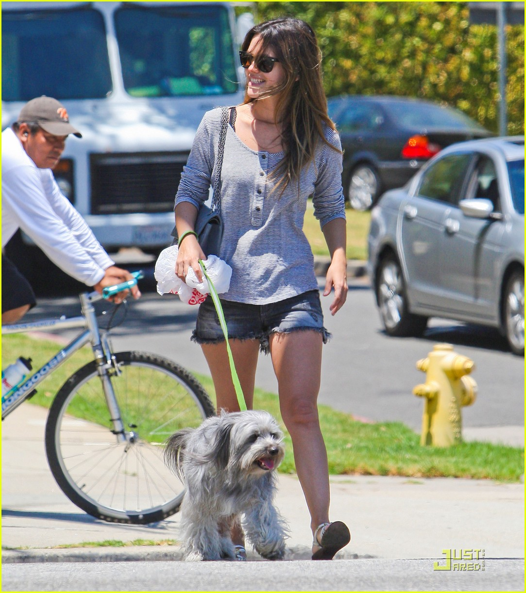 Photo of Alexis Bledel & her Dog Thurmen Murmen