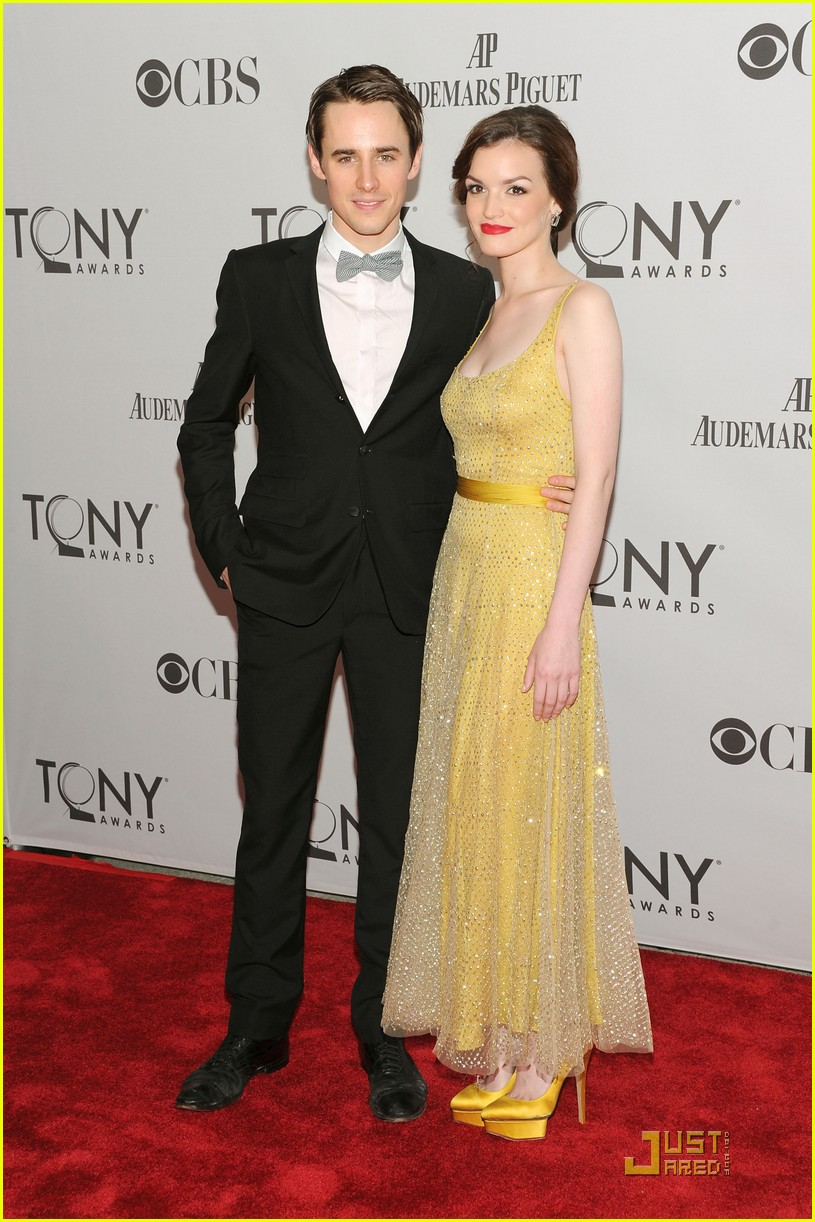 reeve carney jennifer damiano tony awards 2011 072551800