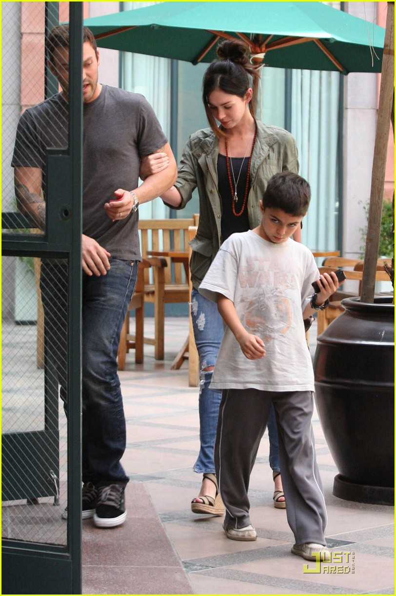 megan fox brian austin green salon with kassius 04