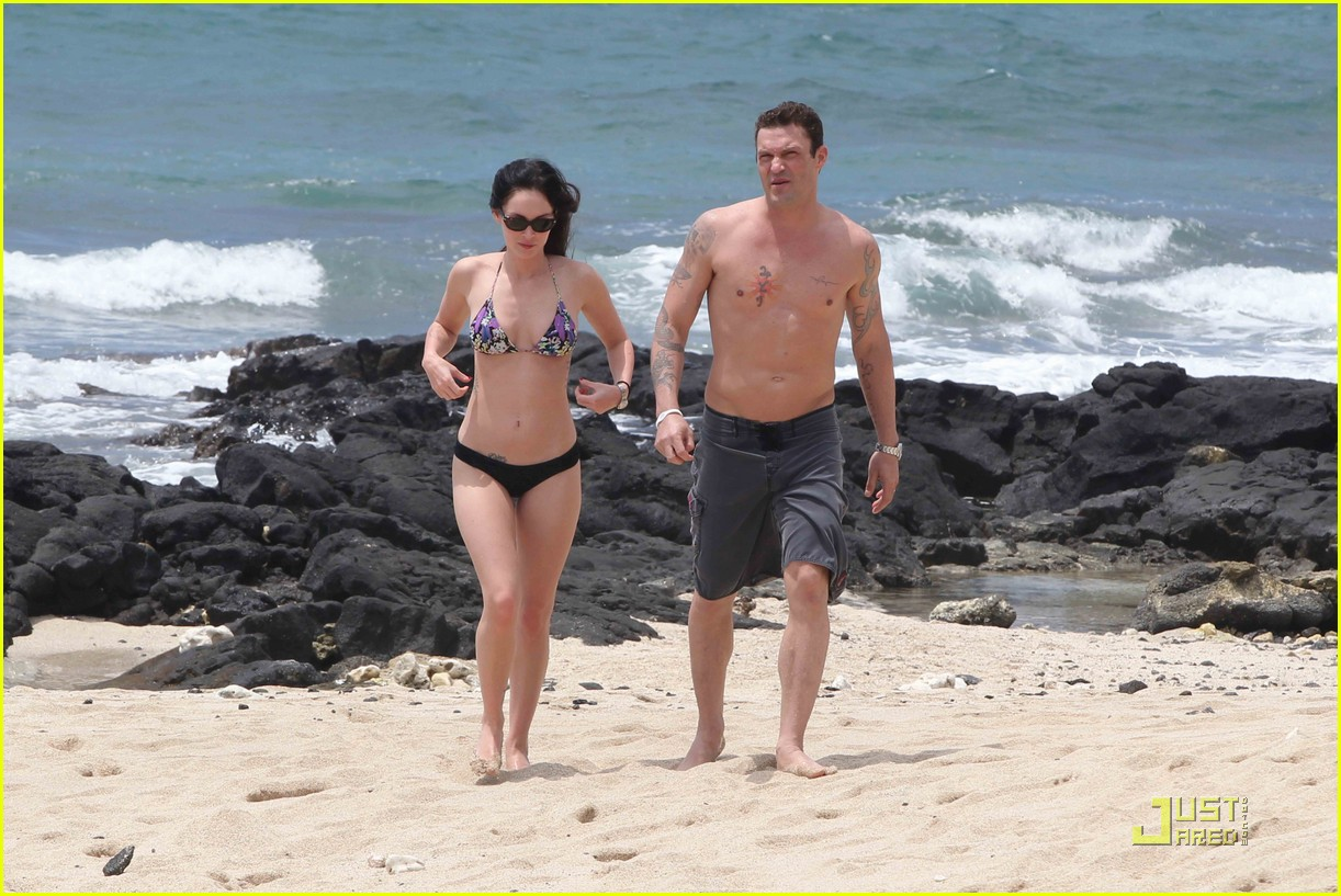 megan fox brian austin green hawaii beach 10