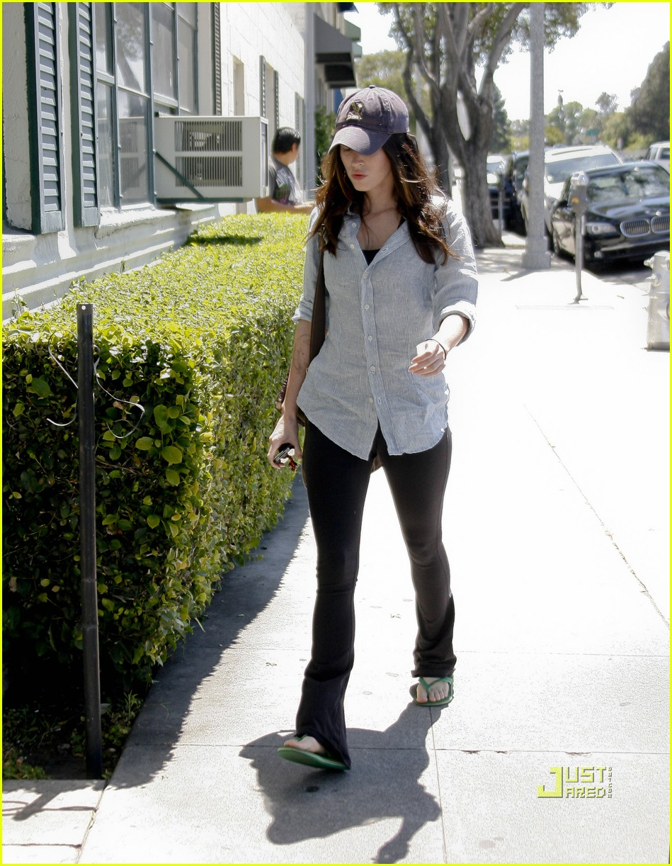 megan fox beverly hills salon 07