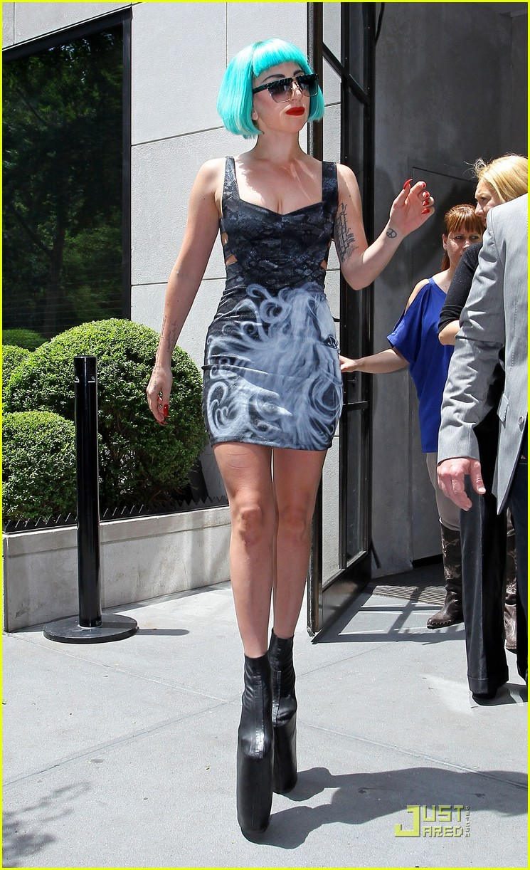 lady gaga hotel nyc 01