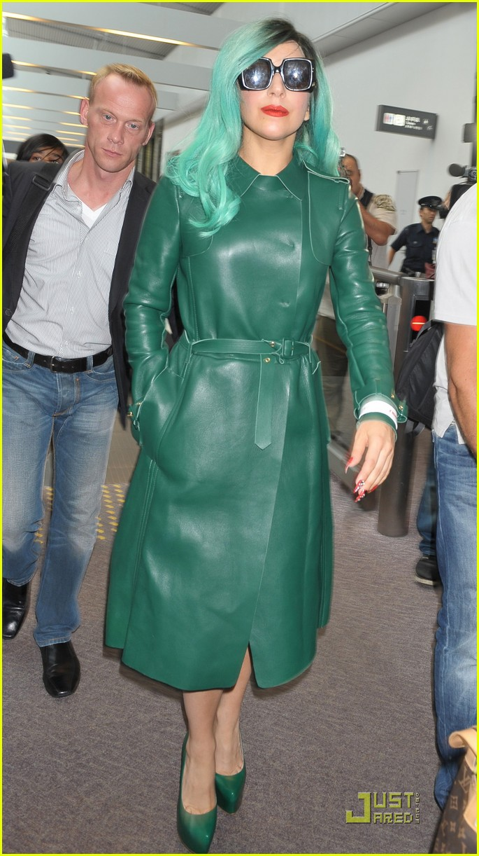 lady gaga arrives in japan 012554396