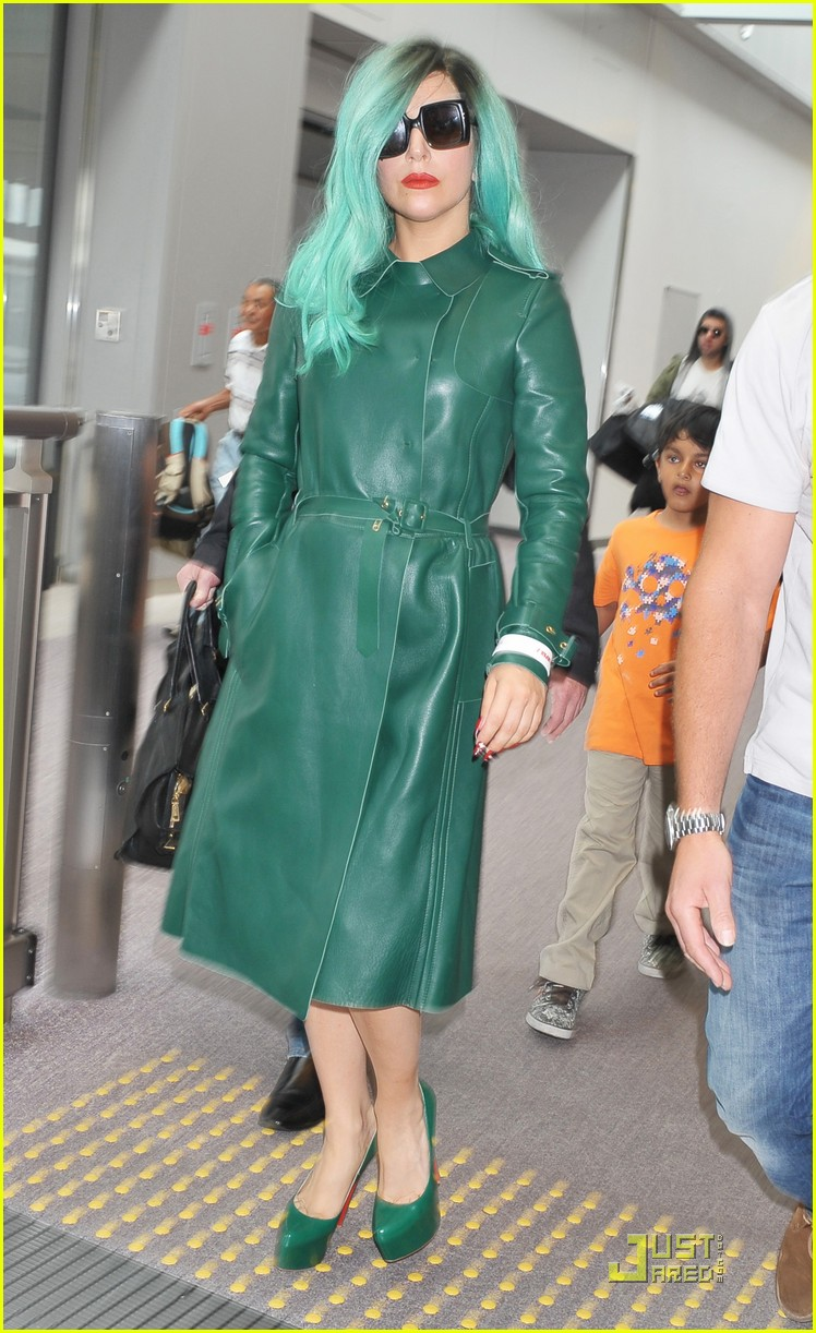 lady gaga arrives in japan 082554403