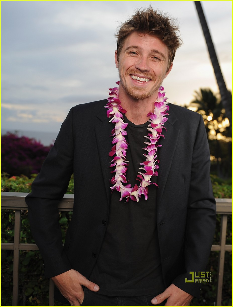 andrew garfield garrett hedlund maui film festival 02