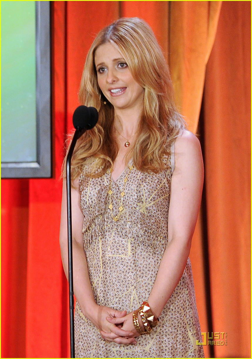 sarah michelle gellar critics choice tv 02