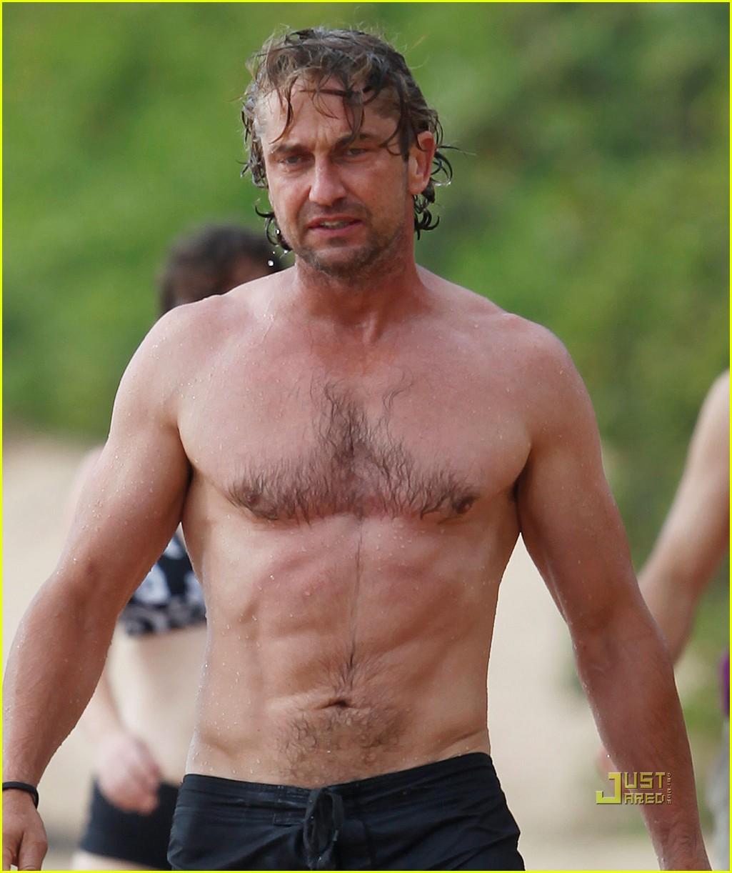 gerard butler shirtless surfing maui 062549965