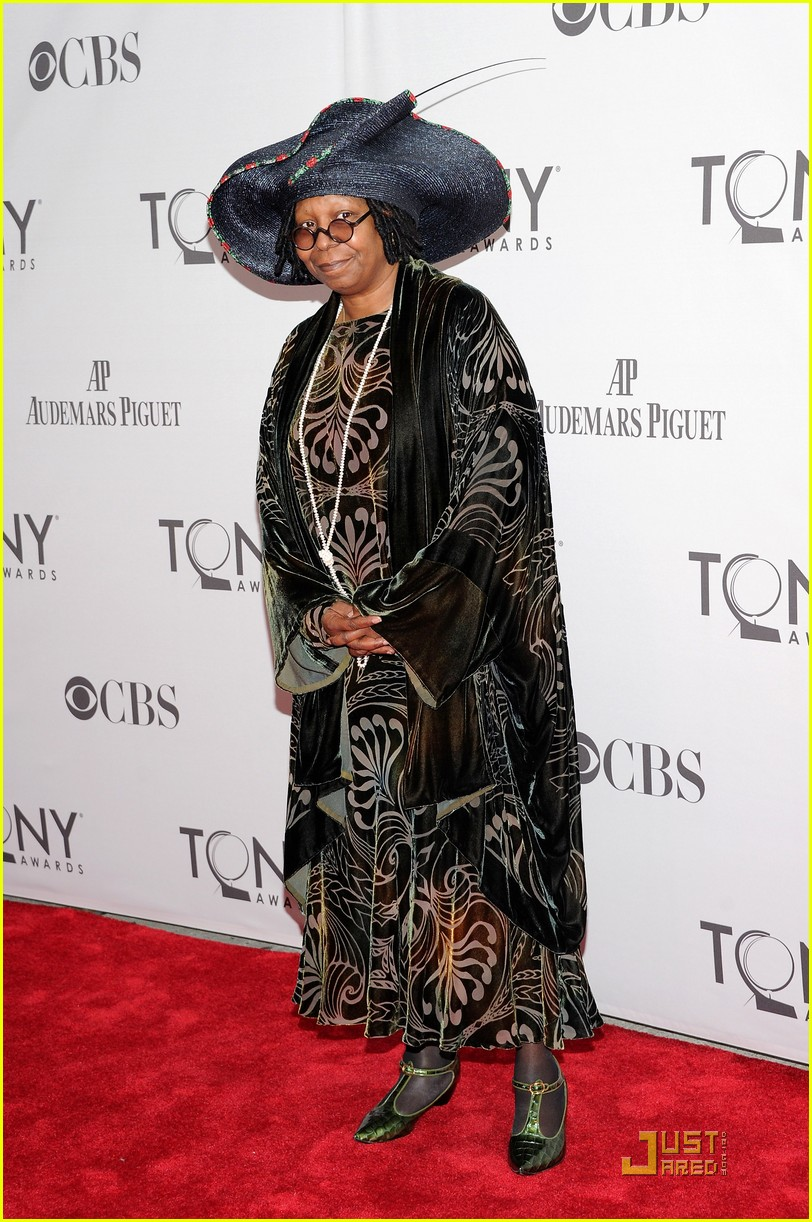 whoopi goldberg tony awards 2011 032551812