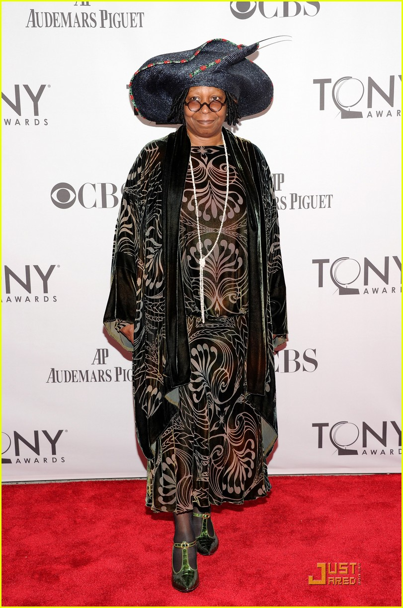 whoopi goldberg tony awards 2011 052551814