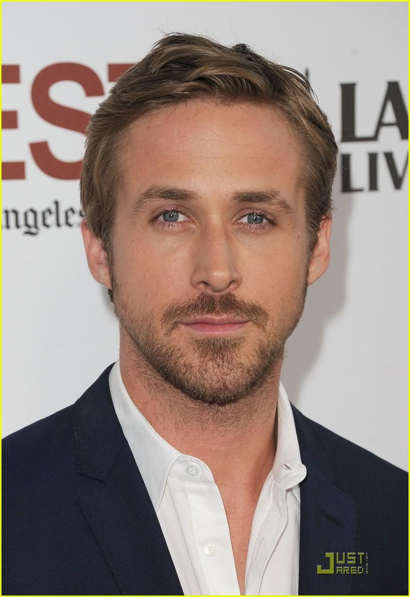 ryan gosling christina hendricks drive premiere 052553324