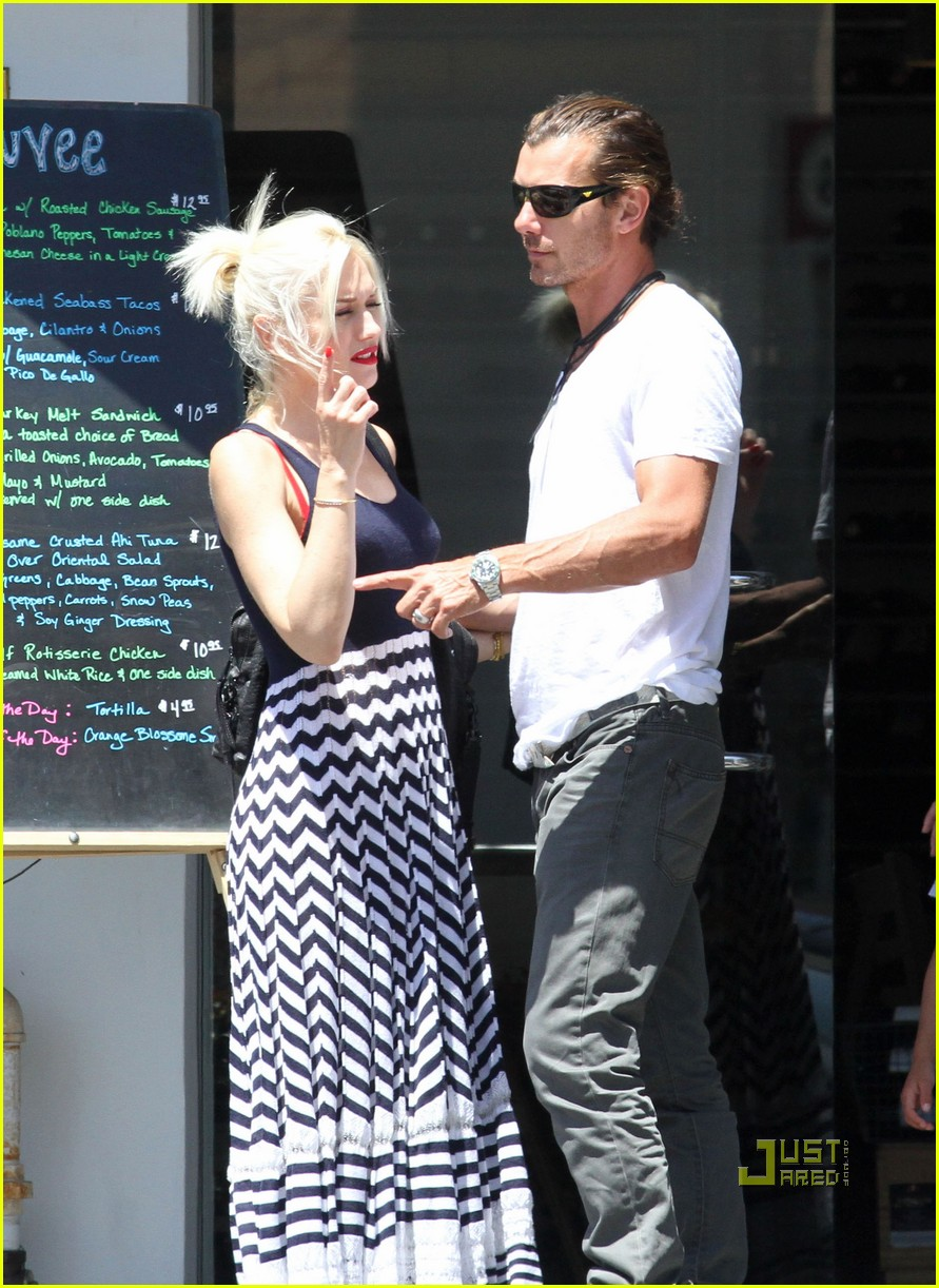 gwen stefani gavin kingston zuma checkup 022555853