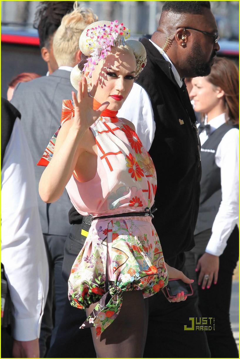 gwen stefani zuma cast japan relief 102550601