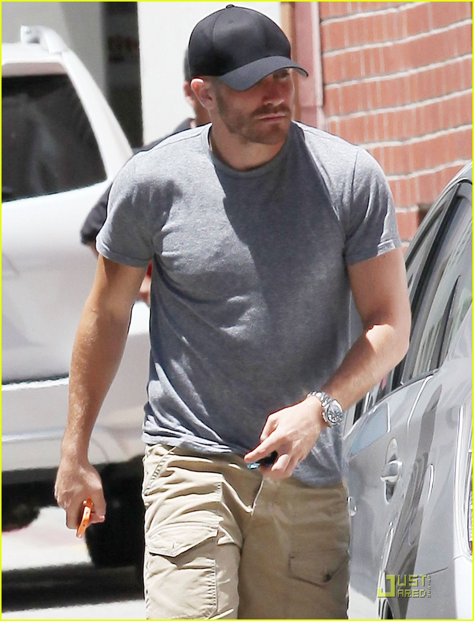 jake gyllenhaal low profile 052555118