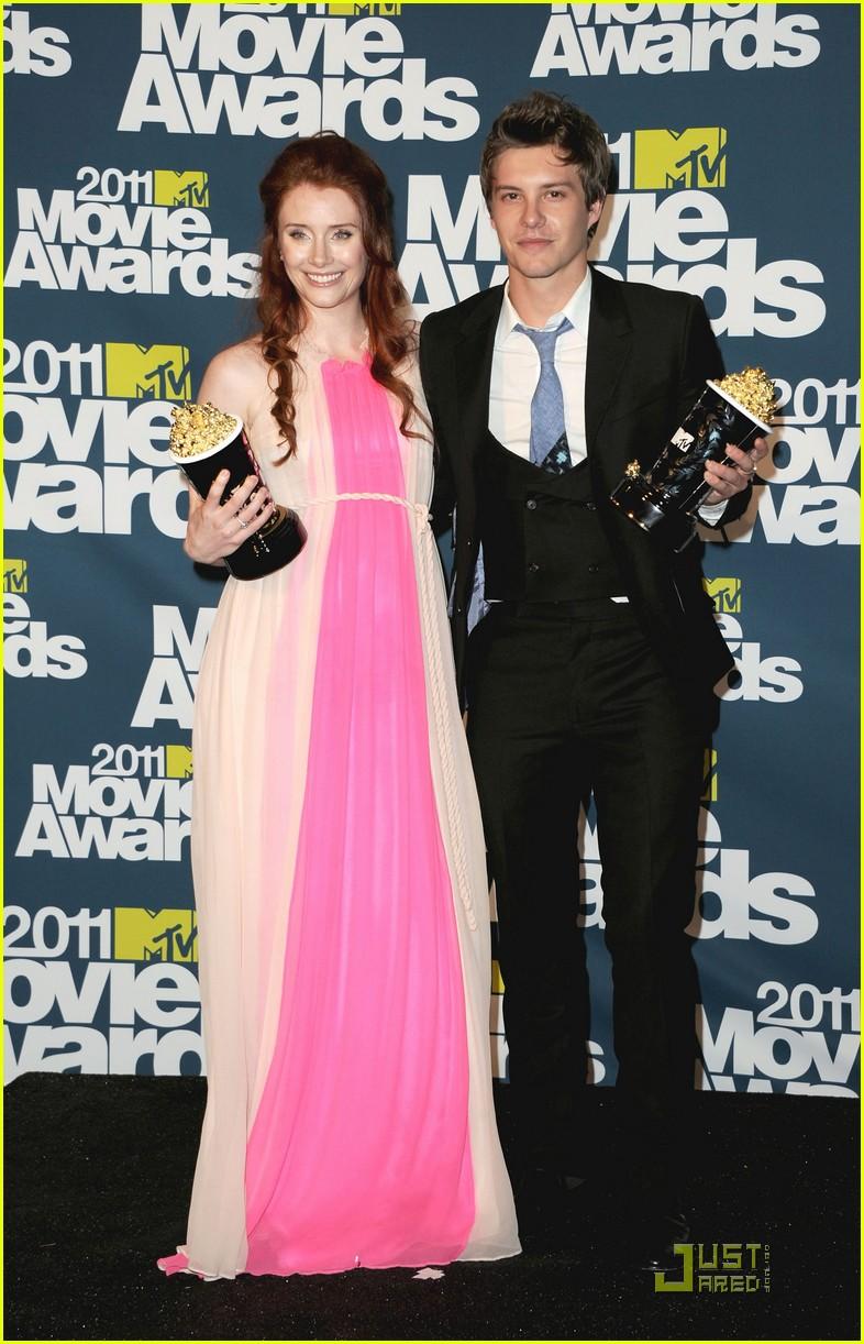 bryce dallas howard julia jones mtv movie awards 2011 072549872