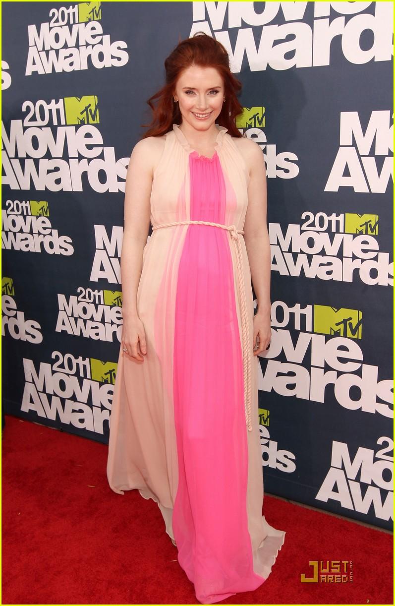 bryce dallas howard julia jones mtv movie awards 2011 092549874