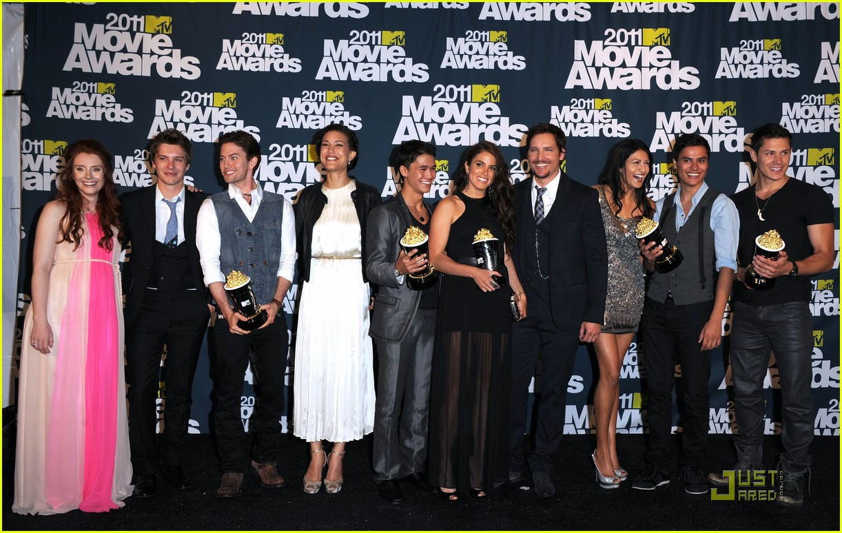 bryce dallas howard julia jones mtv movie awards 2011 112549876