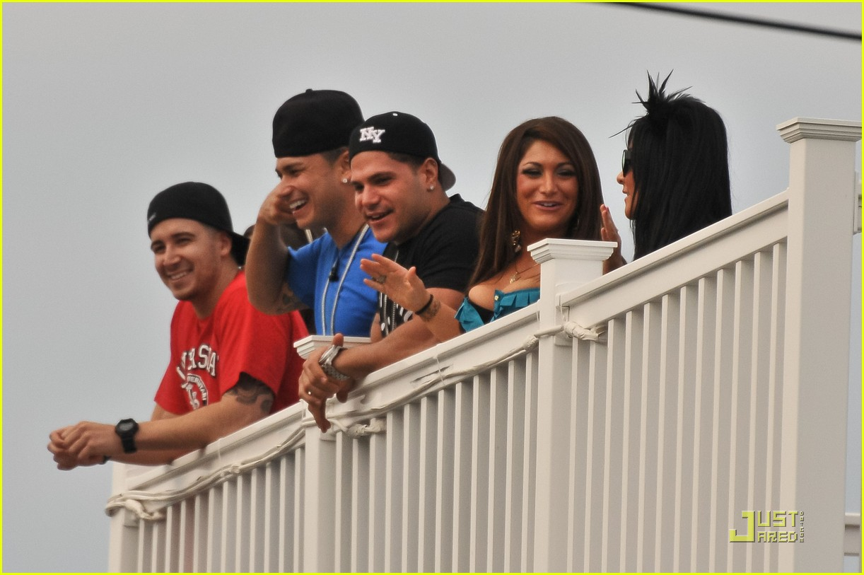 jersey shore cast returns to seaside heights 022555649