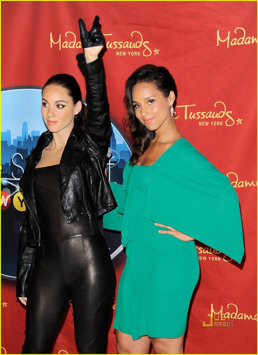 alicia keys wax figure madame tussauds 03