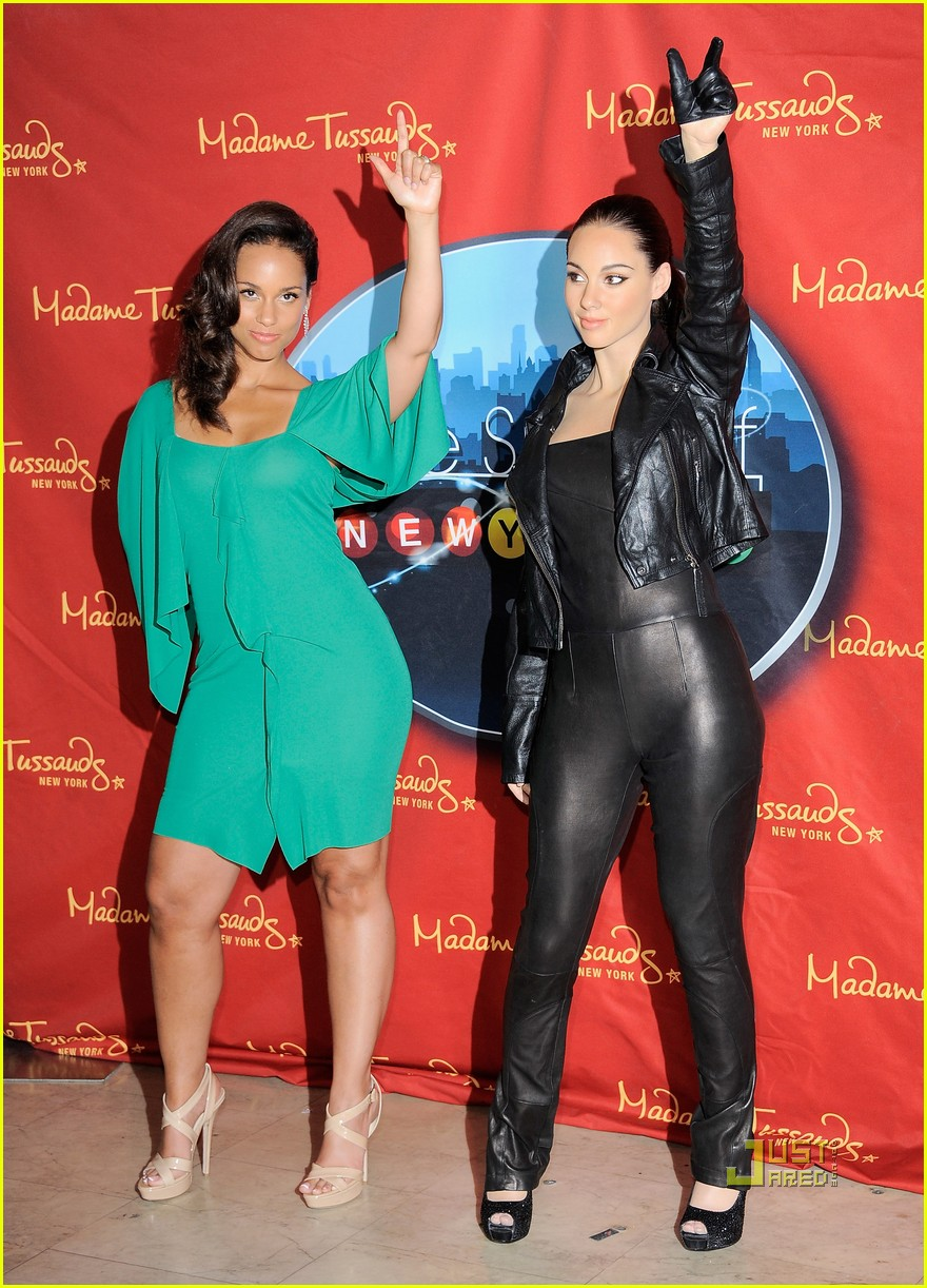 alicia keys wax figure madame tussauds 10