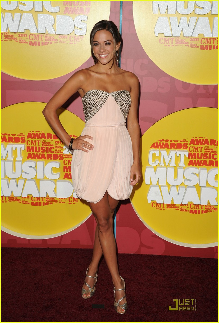 jana kramer hayley williams cmt awards 032550699